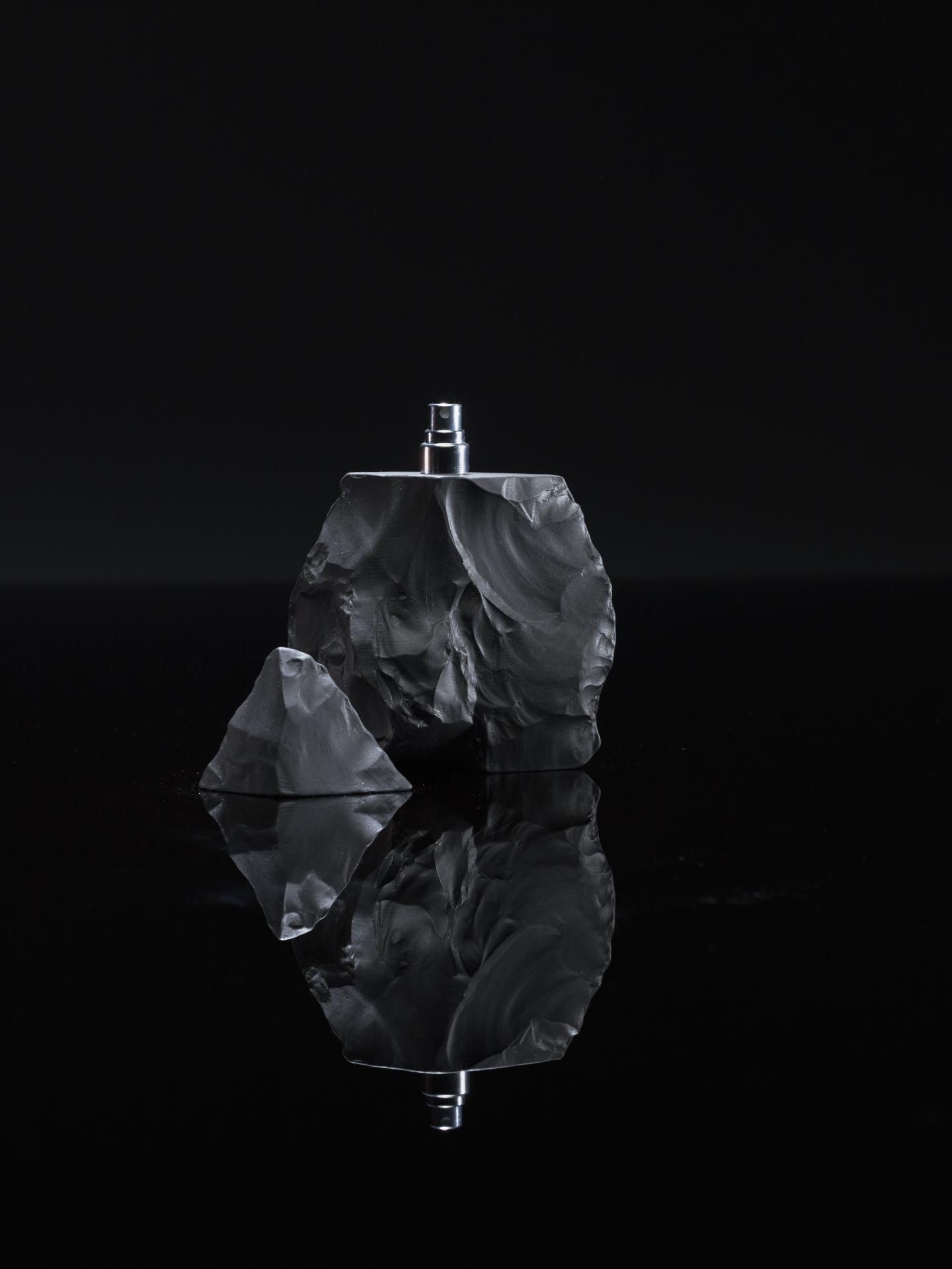 Neandertal Perfume Black